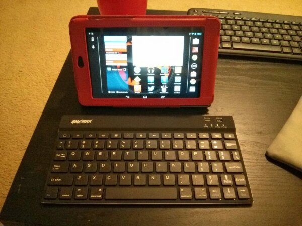 Nexus 7 and Sharkk Tablet