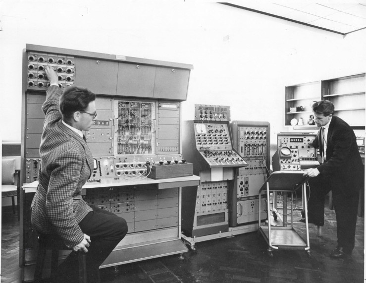 1964, Dynamic control problem being studied in the Analogue Computer Laboratory